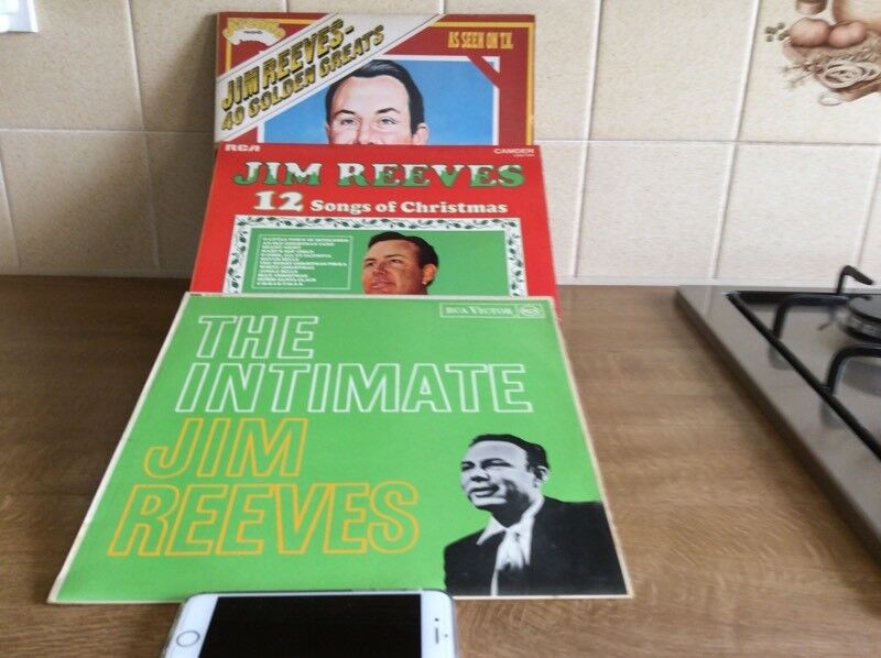 3 JIM REEVES LPs VINYL, VERY GOOD CONDITIONin Didcot, Oxfordshire - 3 JIM REEVES VINYL LP's,12 SONGS OF CHRISTMAS, RCA40 GOLDEN GREATS, DOUBLE ALBUM, ARCADETHE INTIMATE JIM REEVES, 12 SONGS IN TOTAL, RCATHESE ARE ALL IN VERY VERY GOOD CONDITION AND FROM A PET FREE AND NO SMOKING HOMEWILL SPLIT AT £4 EACHCASH AND...