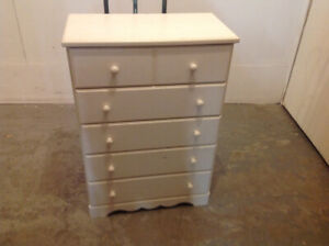 WHITE DRESSER AND 2- NIGHT STANDS