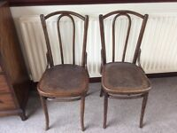 2x BENTWOOD MATCHING CHAIRS, EXCELLENT CONDITION