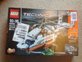 BRAND NEW LEGO HEAVY LIFT HELICOPTER (technic) ref 42052