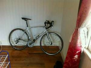Avanti Road Bike + Track pump + Lights + Pannier Rack Corinda Brisbane South West Preview