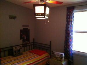 1 bedroom available in house to share Candiac, still available.