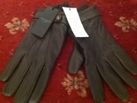 Brown leather smart gloves from Ted Baker complete with tags. Never been worn.