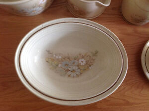 Royal Doulton tableware Cambridge Kitchener Area image 2