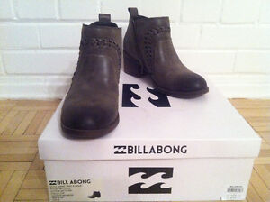 *NEW* - BILLABONG WOMENS' ANKLE BOOT (BOTTINE) - GREY West Island Greater Montréal image 4