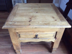 DISTRESSED MEXICAN RUSTIC SOLID PINE END/LAMP TABLE