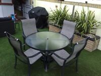 Outdoor dining table & Chairs