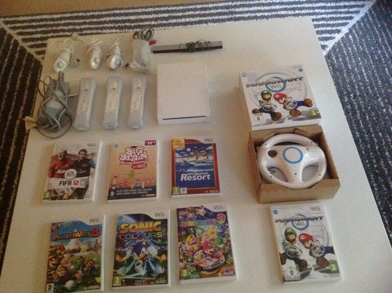 Complete wii bundle with games