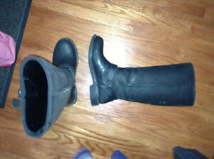 Ladies genuine BOGS leather boots for sale