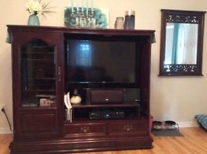 Meuble télévision salon en bois dur ( Noyer)