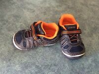 Stride-rite  shoes brand new toddler 4w