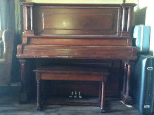Piano upright Sterling