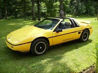 1988 Pontiac Fiero Coupe (2 door)