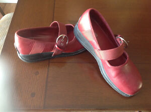 Flat Red buckle shoes