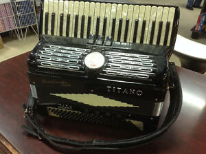 Titano Ideal Accordion