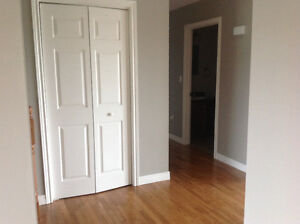 BEAUTIFUL SPACIOUS 3 BDRM TOP FLOOR OF HOME AVAILABLE FEB 1