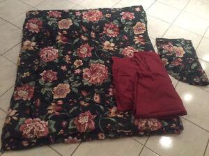 Beautiful Twin Size Comforter Set