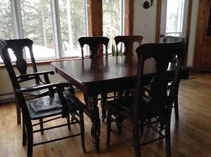 Ensemble antique table et chaises
