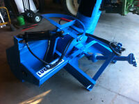 LUCKNOW SNOWBLOWER 6.6 FOOT WITH HYDRAULIC SHUTE FOR A TRACTOR