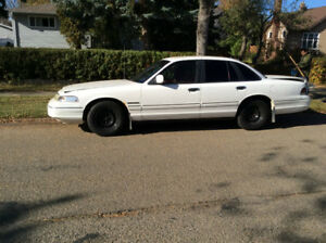 1993 Ford Crown Victoria Sedan