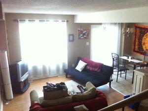 1 bedroom in townhouse- Greenwood Park