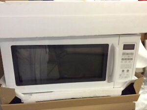Maytag Microwave Hood combination Windsor Region Ontario image 1