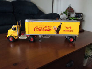 Very nice collectable Coca Cola truck