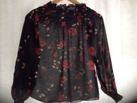 Stradivarius flowery top. Long sleeve. Size M. (About a size 10).