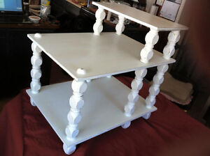 Absolutely Adorable Table Shabby Chic!