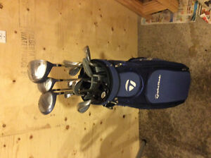Ladies right handed Paradise golf clubs and Taylor Made golf bag