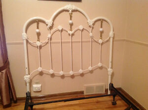 Victorian Style Painted Metal & Brass Dbl Headboard & Bed Rails