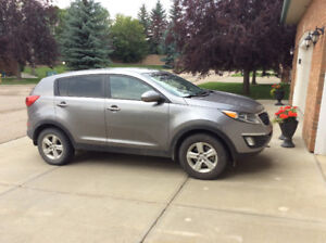 2015 Kia Sportage - Standard - great starter car