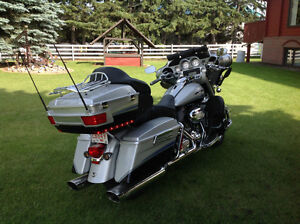 CVO ULTRA CLASSIC ELECTRA GLIDE HARLEY,JUST REDUCED