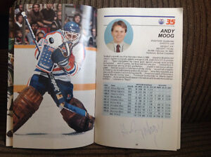 Official Edmonton Oilers 1985-1986 Guide with autographs Peterborough Peterborough Area image 3