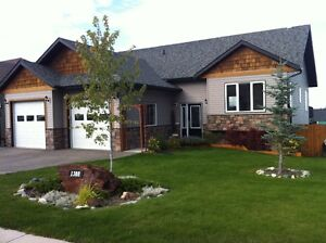 Beautiful Southview home with amazing views!!!