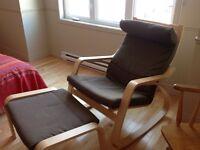 Chaise et pouf ikea