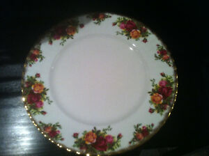 Old Country Roses China Dinner Plates