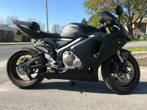Flat Black Cbr 600rr- Low KM's