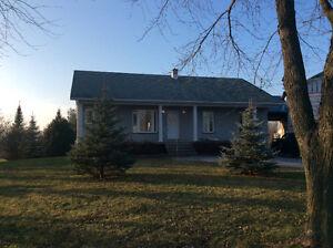 Belle grande maison,possibilité de Bi-génération 300$ add