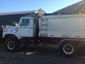 2001 Tandem Dump Truck with Salter and Plow