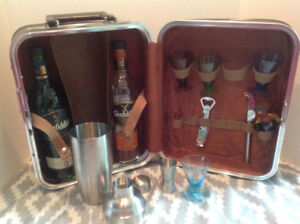Retro Travel Bar with accessories