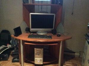 Bureau d'ordinateur à vendre