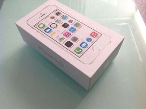 BRAND NEW APPLE IPHONE 5S 16GB IN STUNNING GOLD UNLOCKED Rowville Knox Area Preview
