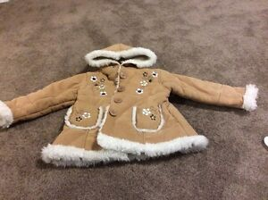Girls Fall and Winter jackets size 2T Edmonton Edmonton Area image 3