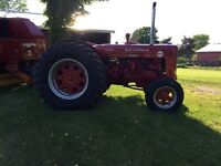 IH W9  Diesel Tractor For Sale