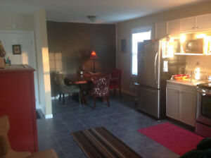 Room for rent - central North Bay