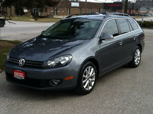 2012 VOLKSWAGEN GOLF WAGON TDI DIESEL - CLEAN CAR-PROOF / ALLOYS