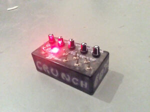 """""""Time Box Phase-Zing and Crunch"""" boutique circuit bend effect"""