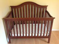 Bassinette pour bébé, clôture de transition et matelas