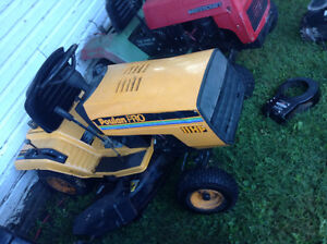 Wanted free lawn tractors Cornwall Ontario image 1